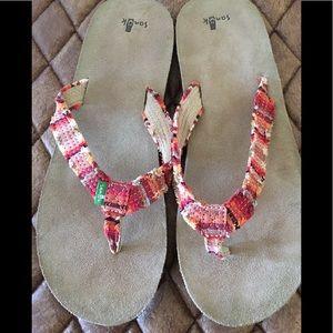 NWOT Sanuk Striped Flip Flops